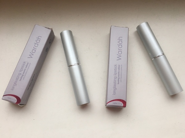 wardah-longlasting-lipstick-stylish-mocca-lustrous-red-2